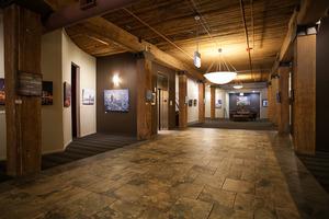 550 lobby